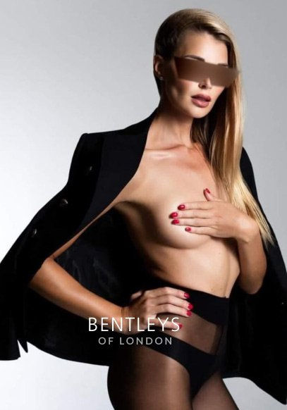 Heathrow Airport Escort - Angelica | Before Your Boarding